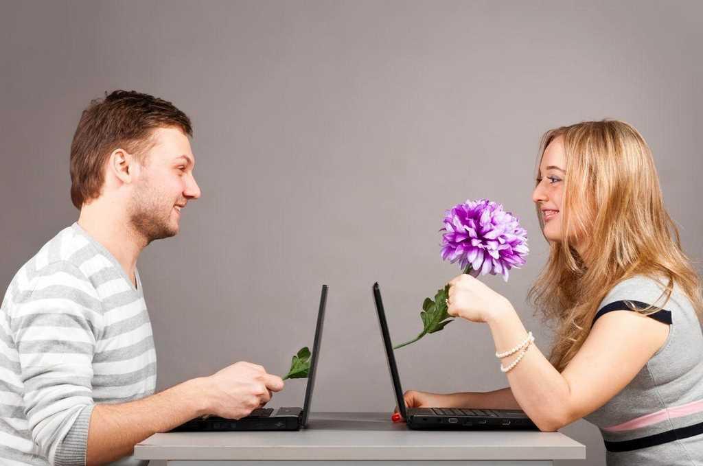 как показать друзьям фото через интернет обычно